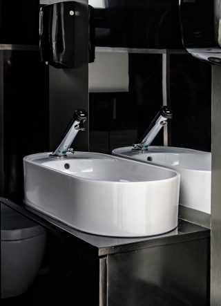 lavabo ovale di design, mobile bagno fatto a mano