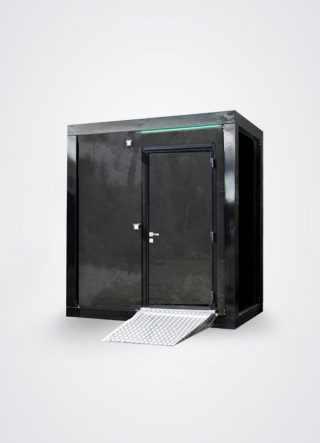 Vista esterna di bagno mobile di lusso compatto per disabili a funzionamento idrico