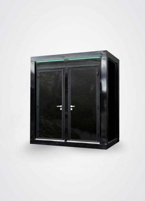 Vista esterna di monoblocco prefabbricato con doppia camera bagno