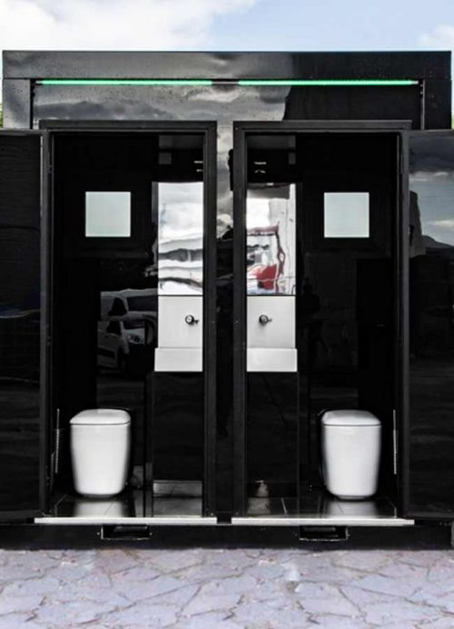 Interni monoblocco con due stanze da bagno